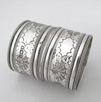 Great quality pair Edwardian silver napkin rings original box Robert Stebbings London 1906 (3 of 6)