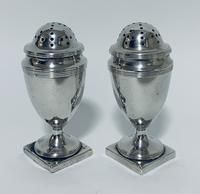 Pair of 18th Century Georgian Solid Sterling Silver Salt and Pepper Shakers Pepperettes (3 of 12)