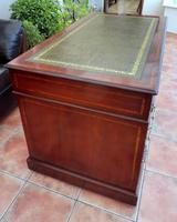 Howard & Sons Double Pedestal Desk c.1890 (6 of 13)