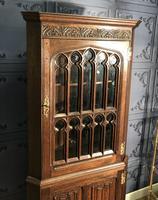 Gothic Style Oak Corner Cabinet (14 of 14)