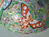 Antique Chinese Porcelain Bowl with Butterflies Famille Rose (12 of 12)