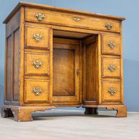 Oak Knee-hole Desk (6 of 9)