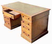 Superb Quality Victorian Mahogany Pedestal Desk (6 of 7)