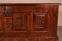 Spanish Chest From The 17th Century In Oak From The Kingdom Of Castille (2 of 10)