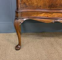Serpentine Fronted Burr Walnut Cupboard (5 of 11)
