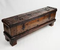 Early 16th Century Coin Chest (3 of 18)