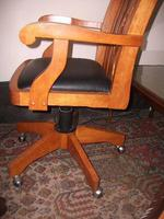 Large Swivel Office Chair (2 of 2)