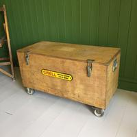 VINTAGE Industrial CHEST Coffee Table Mid Century Old Wooden TRUNK Retro Storage Box + Castors (7 of 12)