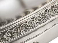 Sterling Silver Locking Biscuit Box - Antique 1845 (12 of 15)