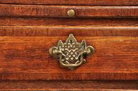 Small 18th Century Oak Chest of Drawers (6 of 10)