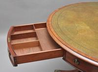 Early 19th Century mahogany drum table (3 of 9)