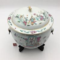 Chinese Famille Rose Pot with Lid and Stand (7 of 8)