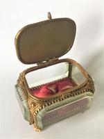 European Glass & Ormolu Scenic Trinket Box (7 of 7)