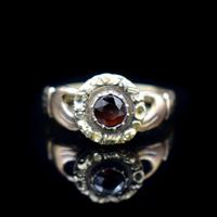 Antique Fede Claddagh Double Hand Garnet Gold Ring (5 of 8)