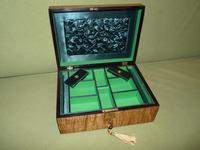 Satinwood & Mahogany Jewellery Box. Plush Interior. c1860. (5 of 11)