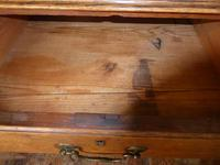 English 18th Century Oak Chest of Drawers (4 of 9)