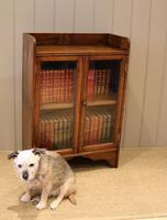 Small Proportioned Oak Glazed Bookcase (7 of 11)