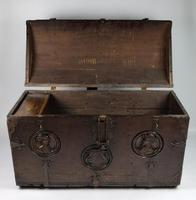 16th Century Romayne Marriage Chest (4 of 18)