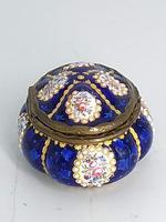 Blue Enamel Bonboniere with Flowers & Gilt Designs Pill Box (2 of 8)