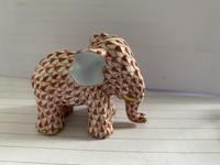 Herend Porcelain Elephent Figurine in Rust Fishnet Design with 24ct Gold Detail (4 of 7)
