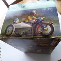 Chinese Tinplate Motorbike & Sidecar (11 of 11)
