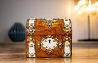 Burr Walnut Perfume Box 1870 (6 of 13)