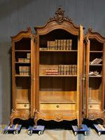 Wonderful French Walnut Bookcase or Cabinet (15 of 25)