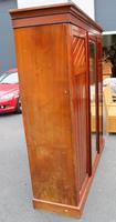 1920s Large 3 Door Mirrored Walnut Wardrobe (4 of 4)