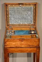 18th Century Satinwood Embroidery / Sewing Box (4 of 7)