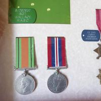 Family group of WW1/2 Medals one KIA (4 of 5)