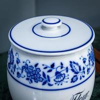 2 Flow Blue Jars (4 of 20)
