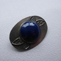 Arts & Crafts Pewter Brooch Dark Blue Stone (3 of 8)