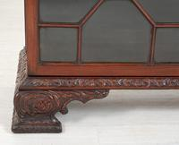 Mahogany Chippendale style 2 door display cabinet (4 of 11)