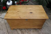 Restored Pine Blanket Box / Chest / Trunk / Coffee Table (3 of 8)