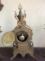 Antique French Gilded Bronze 8 Day Striking Garniture Set / Mantel Clock (5 of 9)