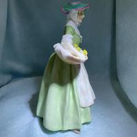 """Rare Royal Doulton Figurine, HN1712, """"Daffy Down Dilly"""" (9 of 11)"""