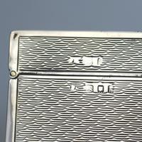 Good & Attractive Art Deco Good Sized Solid Silver Cigarette Box c.1925 (9 of 9)