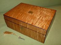 Satinwood & Mahogany Jewellery Box. Plush Interior. c1860. (2 of 11)