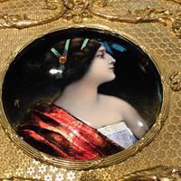 Super large gilt jewel box with Limoges enamel miniature (2 of 5)