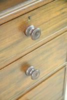 Early 20th Century Mahogany Chest of Drawers (10 of 12)