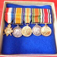 Set of Miniature WW1, WW2 & Police Medals