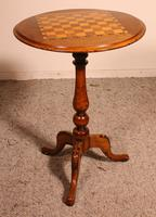 Small Pedestal Table / Games Table in Walnut - 19th Century (4 of 6)