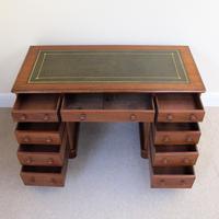 Mahogany Pedestal Desk c.1880 (5 of 6)