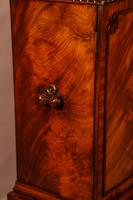 Quality Cabinet on Stand Chippendale Style (3 of 9)