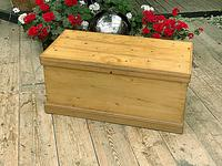 Wonderful Restored Old Pine Blanket Box / Chest / Trunk / Coffee Table (3 of 8)