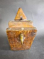Antique Bee Hive Smoker (4 of 5)