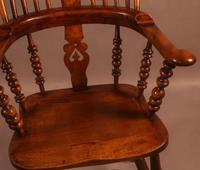 Good Victorian Broad Arm Windsor Chair (2 of 9)