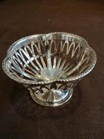 Charming Silver bon-bon Basket