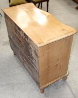 1900's Country Pine Serpentine Front Chest of Drawers (2 of 3)