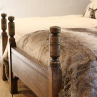 Country Style Matching Pair of Twin Single Oak Beds (4 of 9)